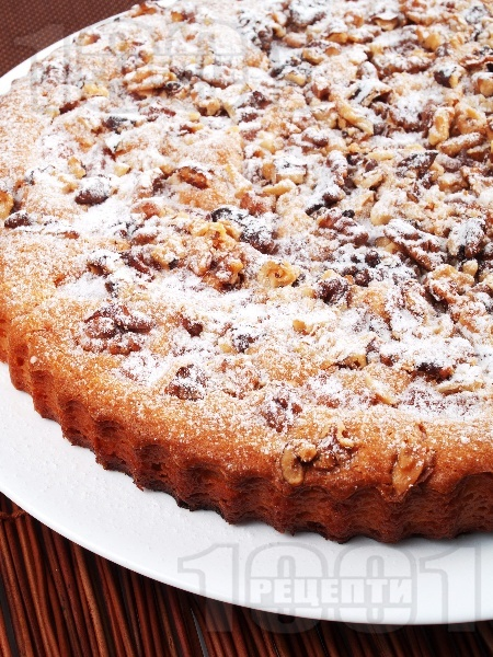 Гръцки кекс / сладкиш с локум, орехи, ванилия и пудра захар - снимка на рецептата